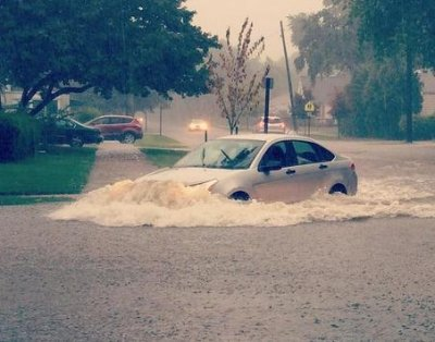 Flooding in Detroit leaves one dead, delays Chrysler production