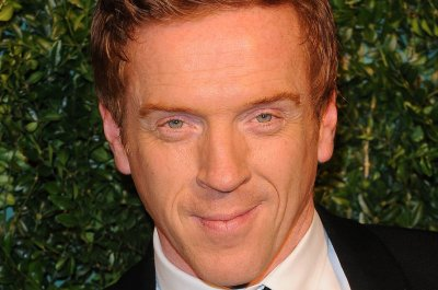 Showtime orders new series starring Paul Giamatti and Damian Lewis