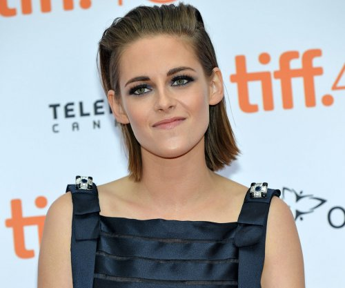 Kristen Stewart offers advice on fame to Daisy Ridley of 'Star Wars'
