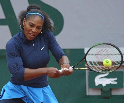 French Open round-up: Serena Williams in quarterfinals, Novak Djokovic breaks record