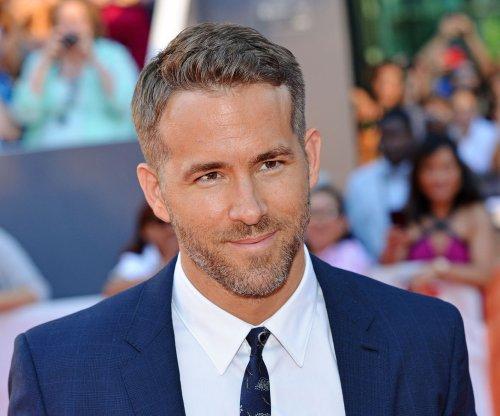 Ryan Reynolds personally paid to keep 'Deadpool' writers on set