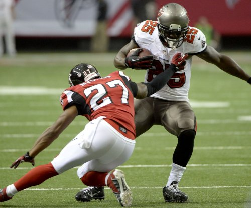 Mike Smith reunion: Tampa Bay Buccaneers sign former Atlanta Falcons CB Robert McClain