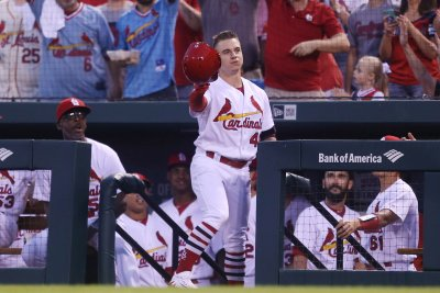 Cards' O'Neill nails Royals' Goins at plate with six-bouncer
