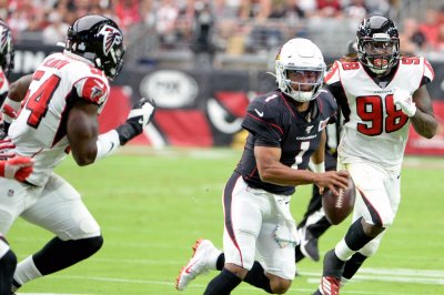 Atlanta Falcons decline fifth-year option on DE Takk McKinley