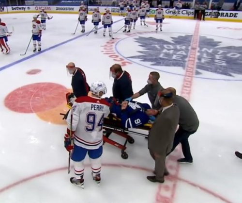 Toronto Maple Leafs' John Tavares hospitalized after taking hit to face