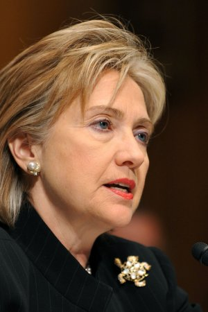Clinton: U.S.-Russian relations improving