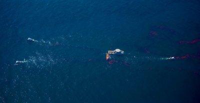 National response greets Gulf Coast spill