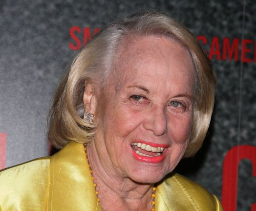 Gossip columnist Liz Smith dead at 94