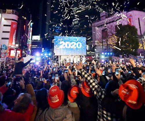Sydney harbor fireworks kick off global New Year's celebrations
