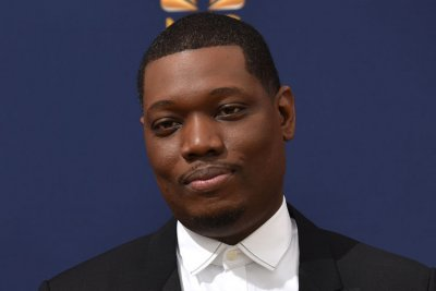 Michael Che talks filming 'SNL at home on 'Late Night'