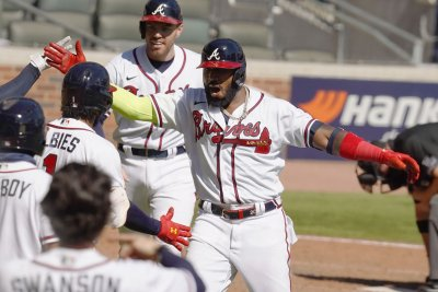 Atlanta Braves sweep Miami Marlins for first trip to NLCS since 2001