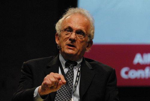 Berman lifts ban on aid to Lebanon