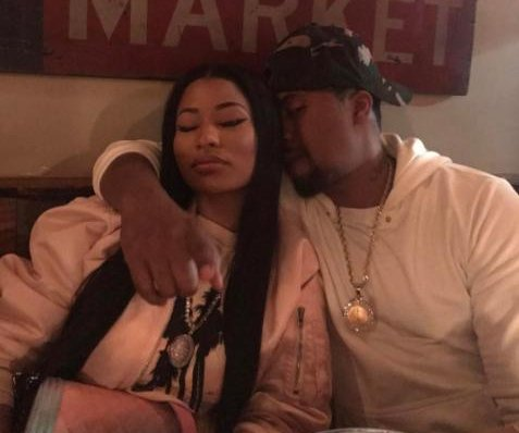 Nicki Minaj gets close to Nas in new photo