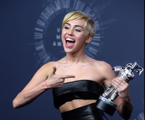 Miley Cyrus considers her gender, sexuality 'fluid'