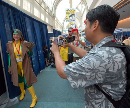 Comic-Con bans selfie sticks