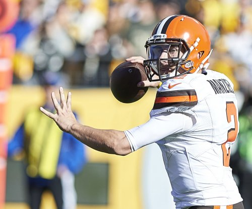 Johnny Manziel's ex-girlfriend claims he hit her