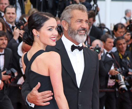 Mel Gibson's 26-year-old girlfriend is pregnant