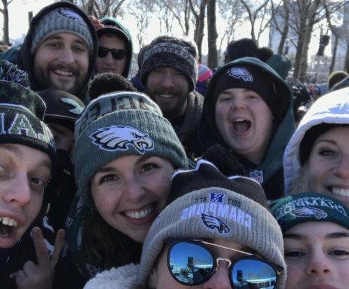 Eagles fans find Sidney Jones' phone at parade, take selfie