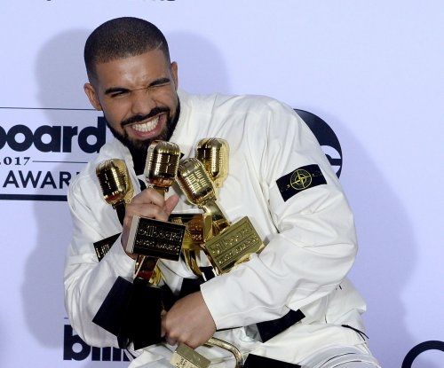 Drake announces North American tour with Migos