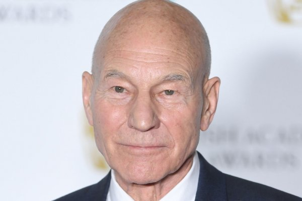 Patrick Stewart leads a crew again in 'Picard' trailer