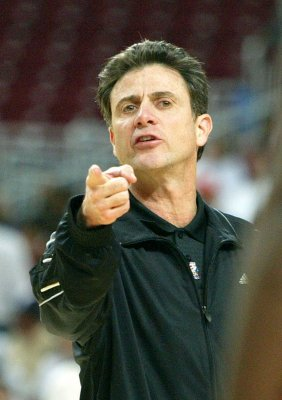 Louisville group wants Pitino fired