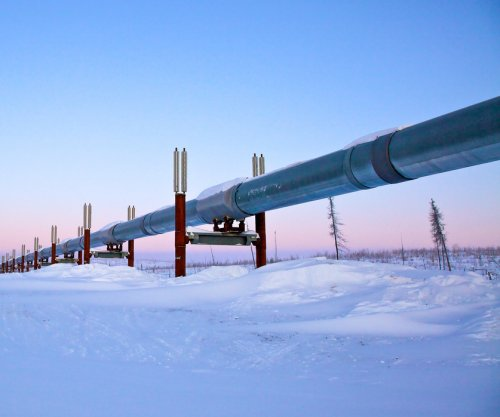Pipeline traffic lifts Enbridge income