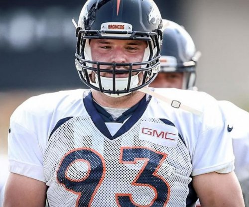 Denver Broncos DE Jared Crick carted off field in practice with back injury