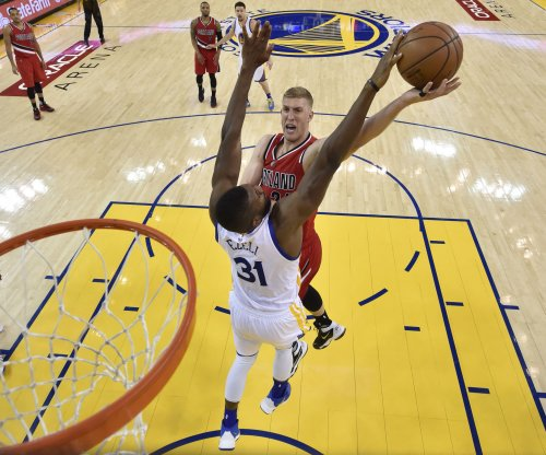 C Mason Plumlee returns to Denver Nuggets with three-year deal