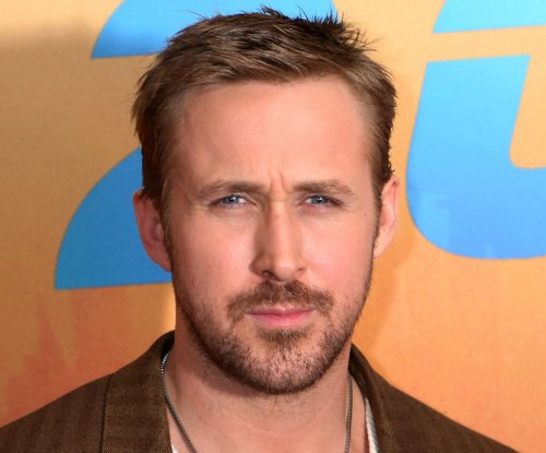 Ryan Gosling, Eva Mendes step out together in New York