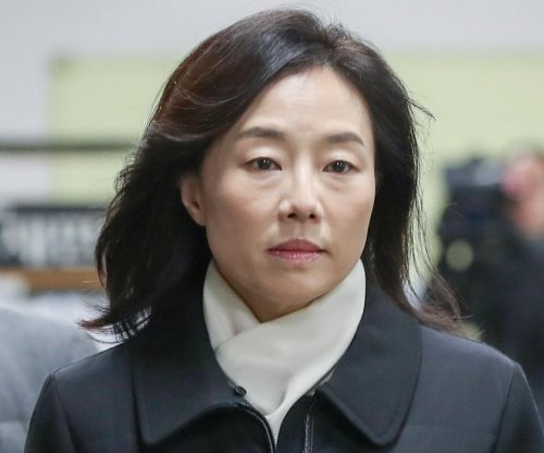 South Korean prosecutors seek prison for 'blacklist' officials