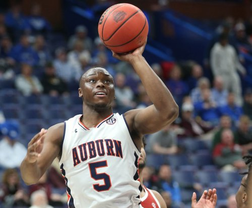 2018 March Madness: Auburn Tigers clash with Clemson
