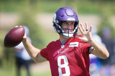 Camp setup: Kirk Cousins on the spot as Minnesota Vikings QB