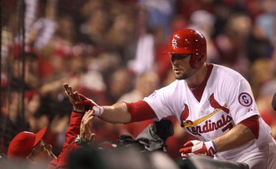 Cardinals take to Twitter after plane to Boston delayed seven hours
