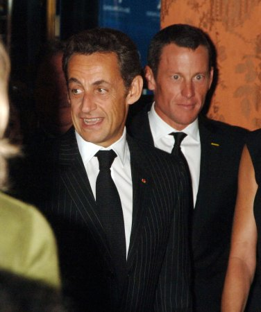 Sarkozy wants global financial summit