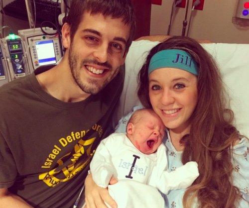 Jill Duggar and Derick Dillard depart for overseas missions trip