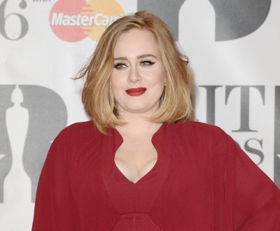 Adele's '25' reaches diamond status with 10M copies sold