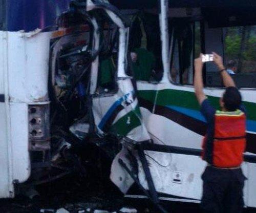13 Venezuelan government supporters die in bus crash