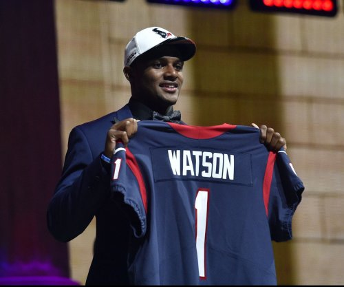 Houston Texans must go slowly with rookie QB Deshaun Watson