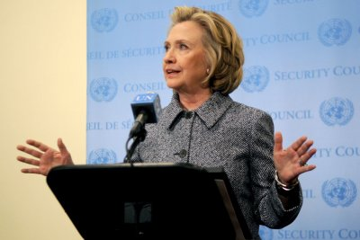 Senate panel report questions FBI handling of Hillary Clinton email case