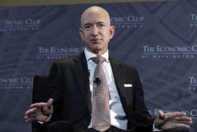 Jeff Bezos to step down as Amazon CEO July 5