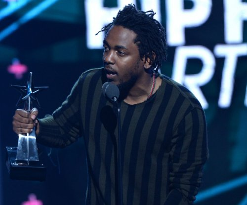 Kendrick Lamar soars above all in 'Alright' video