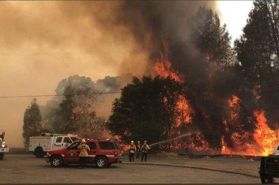 California wildfire grows to 7,700 acres; 3,000 evacuate