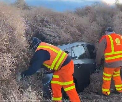 Cars trapped in tumbleweeds for hours on New Year's Eve