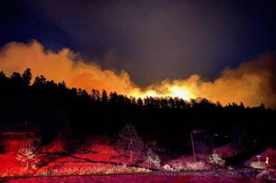 Colorado-fires-grow-by-thousands-of-acres-overnight