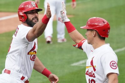 Matt Carpenter, wild pitch help Cardinals beat Phillies