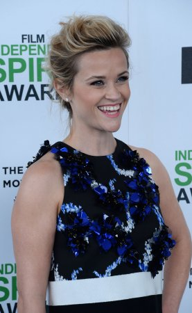 Reese Witherspoon goes bowling for birthday [PHOTOS]