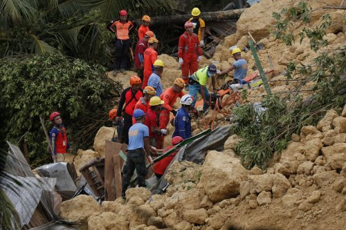 Heavy rains trigger deadly landslide on Cebu in the Philippines