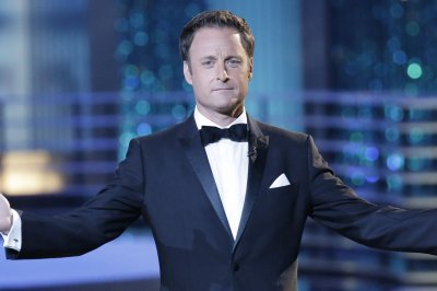 Chris Harrison returns to 'Bachelor' mansion after California wildfires