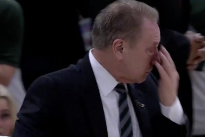 Injury to Michigan State player brings coach Tom Izzo, players to tears