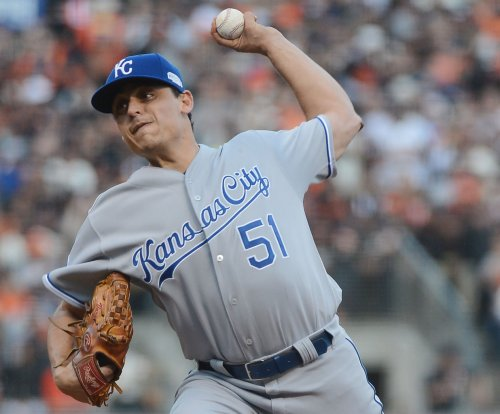 Jason Vargas remains hot, pitches Kansas City Royals past Tampa Bay Rays